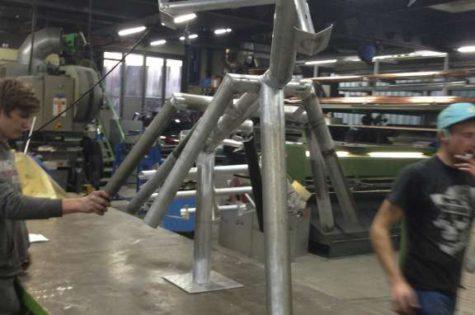 Produktion Des Aluminiumrahmens